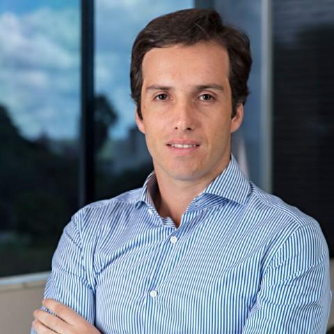 Dr. Vinicius Basile